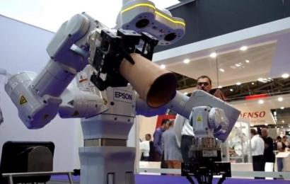 Le nouveau robot autonome d'Epson Bertie the robot