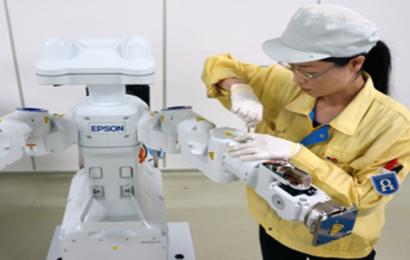 Nouvelle ligne de production de robots dans la centrale de Toyoshina d'Epson