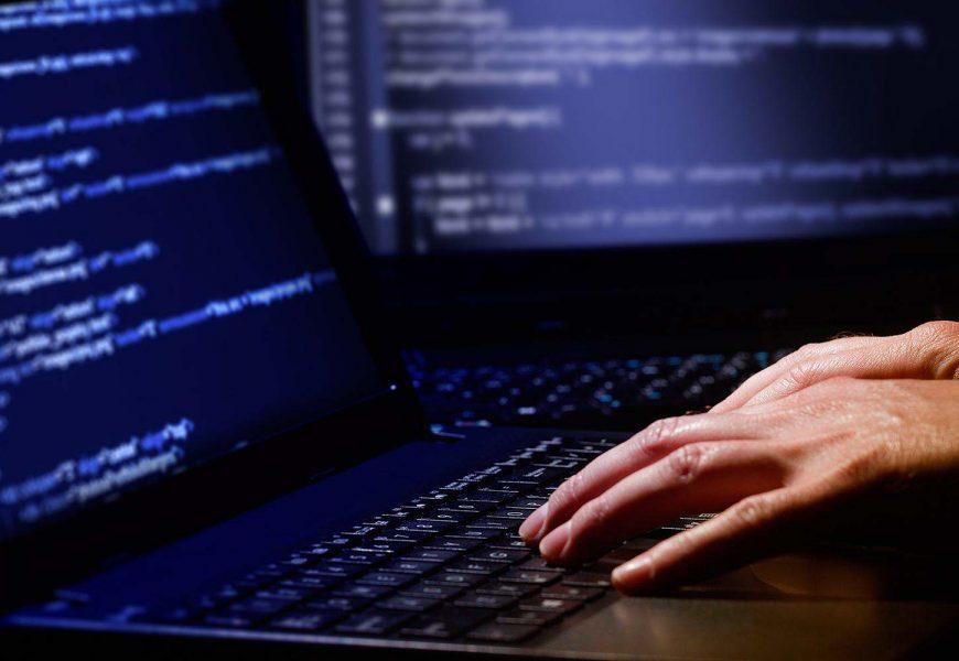 """""""بانيك"""" تتعرض لقرصنة إلكترونية وسرقة شيفرة أصلية لتطبيقات أبل"""