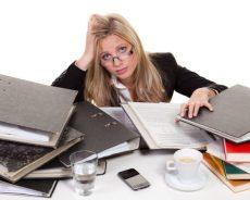 العمل الشاق والنوبات الليلية يؤثران على خصوبة النساء