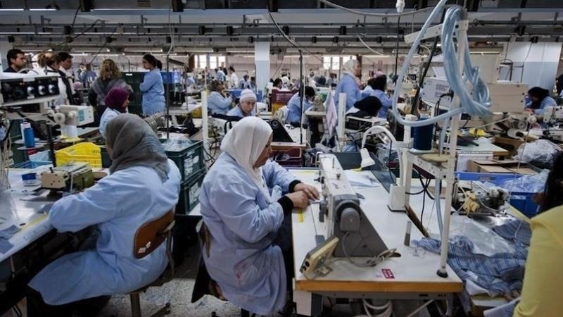 رسمي: إمضاء الزيادة في أجور قطاع النسيج والجلود والأحذية