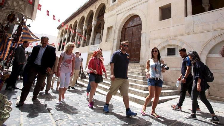 إرتفاع عائدات السياحة بنسبة 37.7 %