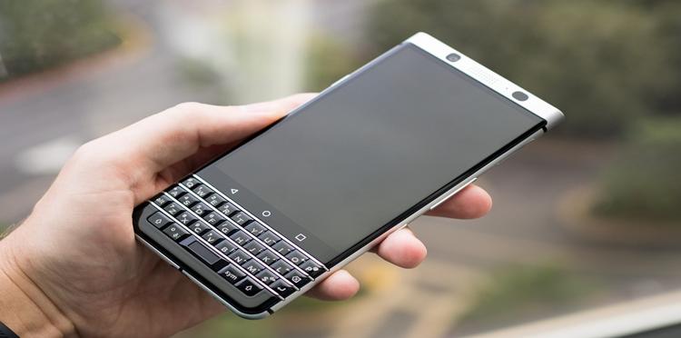 اختراع هاتف جوال يعمل دون شحن