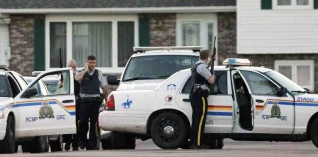 اعتقال شخص حاول طعن جندي في البرلمان الكندي