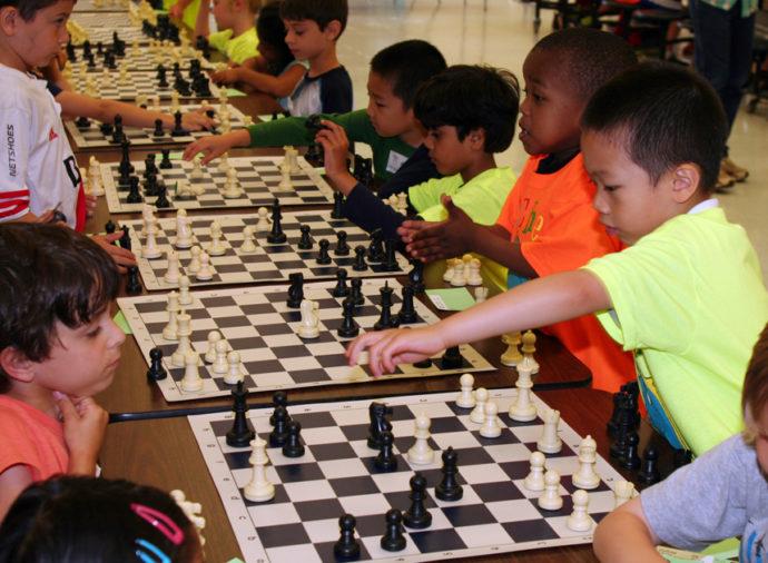 دولة تدرج لعبة الشطرنج ضمن مناهجها التعليمية