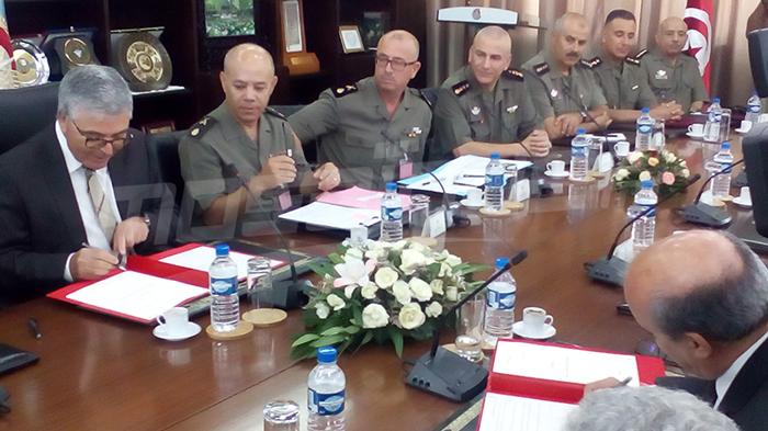 اتفاقية بين وزارتي الدفاع والتشغيل لثلاثة  مشاريع جديدة