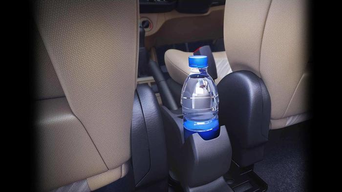 إحذر من وضع عبوات المياه بسيارتك!
