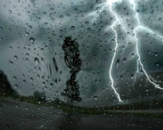 أمطار منتظرة في 7 ولايات مع رياح بالسواحل