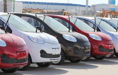 هل الحلّ في تخفيض أسعار السيارات الشعبية أم تطوير خدمات النقل؟