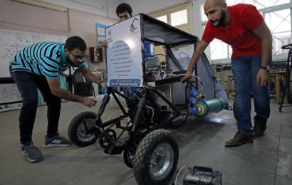 طلاب مصريون يصممون مركبة تعمل بالهواء