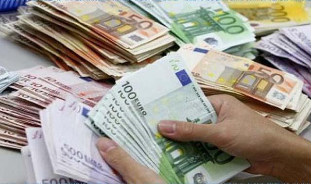 بداية من أكتوبر : فتح مكاتب صرف العملة لأول مرة في تونس