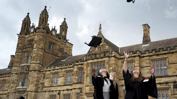 جامعة صفاقس : فتح باب الترشح للحصول على منح + Erasmus