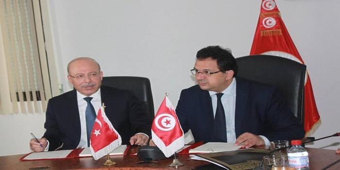 وزارة التنمية توقع على إتفاقية خط تمويل مع البنك التركي 'إكسيم بنك'