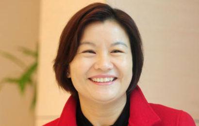 زوو كنفي.. أغني امرأة صينية