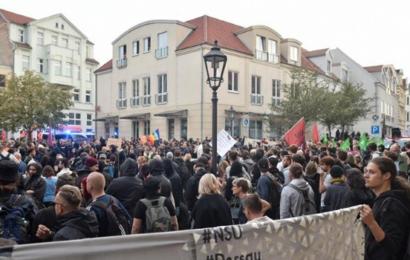 """ألمانيا: المئات يتظاهرون ضدّ الأجانب في مدينة """"كوتن"""""""