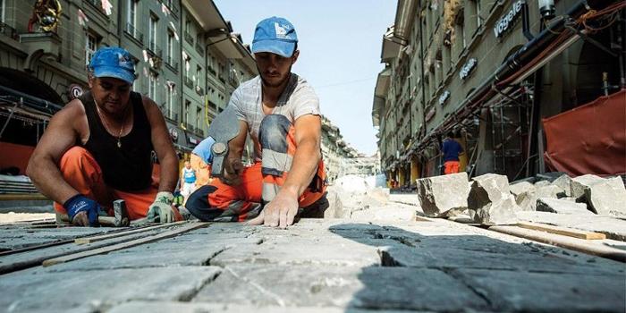 بلد بأروبا يحتاج لـ400 ألف عامل أجنبي سنويا