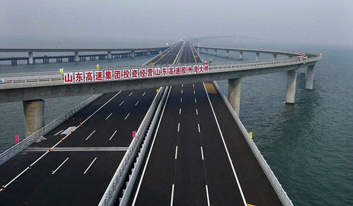 الصين تدشن واحدا من أطول جسور العالم
