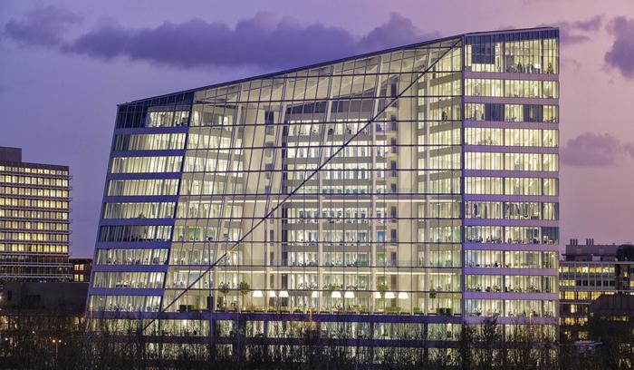المبنى الأكثر ذكاء في العالم The Edge