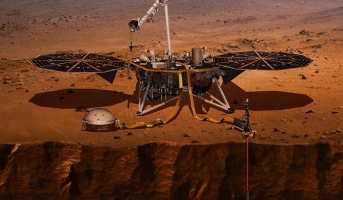 """""""إنسايت"""" يهبط بنجاح على سطح المريخ"""