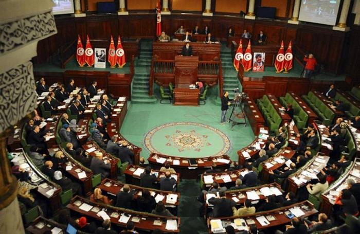 """للحد من الغيابات..البرلمان يقتطع """"4 دنانير"""" لكل نائب"""