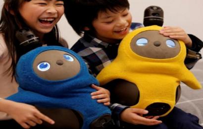 مٌذهل: إنسان آلي لبث السعادة لمستخدميه