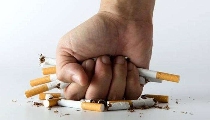 أكبر شركة تبغ عالمية تستعد للتخلص من السجائر !
