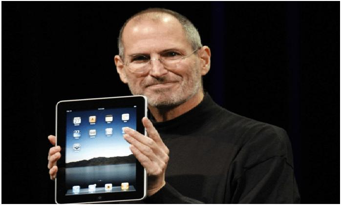 """قصة نجاح : شركة """"آبل""""  لستيف جوبز"""