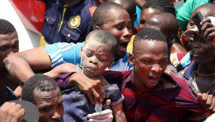 نيجريا: انهيار مبنى من ثلاثة طوابق والمئات تحت الأنقاض