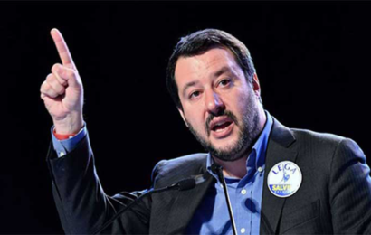 وزير الداخلية الإيطالي يصرّ على غلق مرافئ بلاده أمام المهاجرين