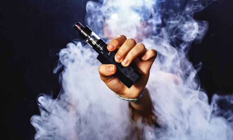 39 حالة وفاة و2051 إصابة بسبب التدخين الإلكتروني بالولايات المتحدة